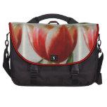 Tulipanes rojos y blancos bolsas de portatil
