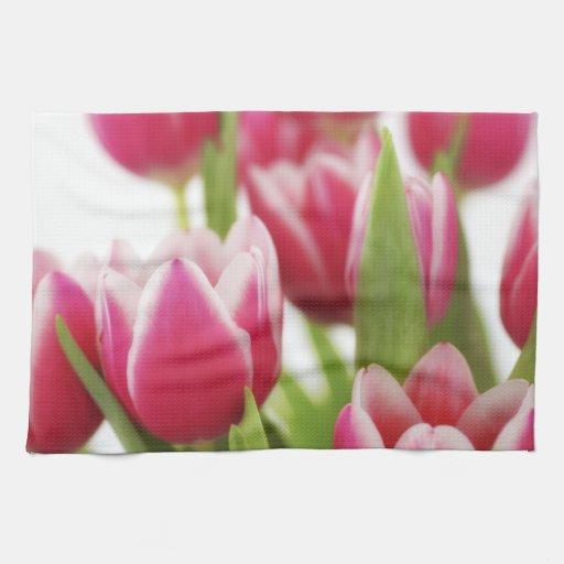 Tulipanes rosados toalla de mano