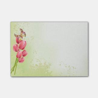 Tulipanes y mariposa rosados - cojín pegajoso nota post-it®