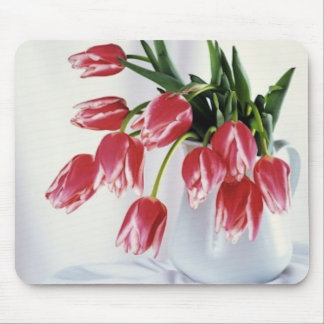 tulips in vase mouse pad