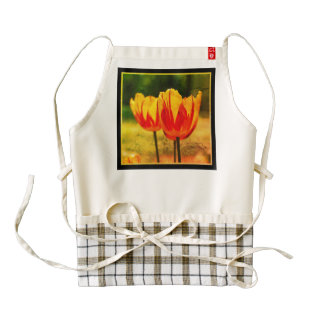 Tulips yellow red_009_q_R5 02.4.F Zazzle HEART Apron