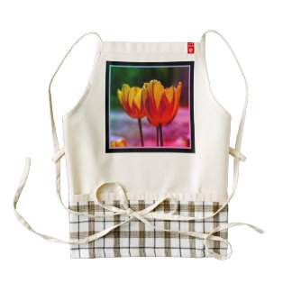 Tulips yellow red_009_q_R5 02.F Zazzle HEART Apron