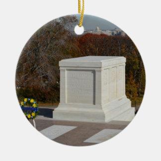 Tumba del soldado desconocido, Arlington Wrea amar Ornato