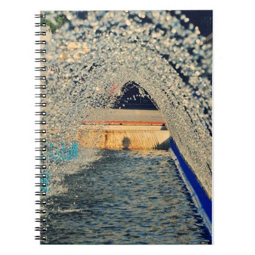 Túnel de agua libros de apuntes con espiral