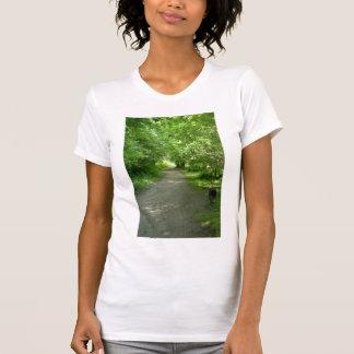 Túnel de la camiseta de las mujeres de las hojas