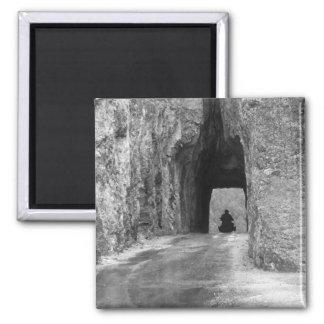 Túnel de la carretera de las agujas imán cuadrado
