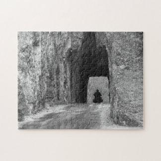 Túnel de la carretera de las agujas rompecabeza con fotos