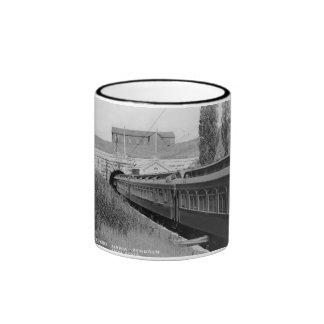 Túnel del río del St. Clair - vintage Louis Pesha Taza A Dos Colores