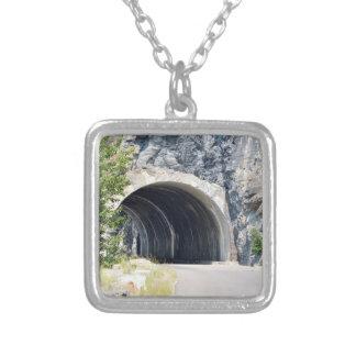 Túnel en parque del glaciar colgante cuadrado