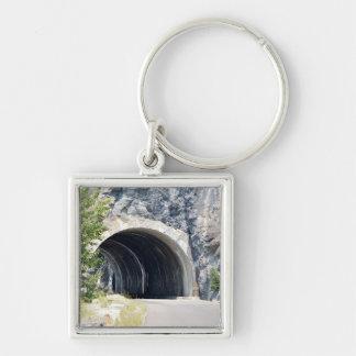 Túnel en parque del glaciar llavero cuadrado plateado