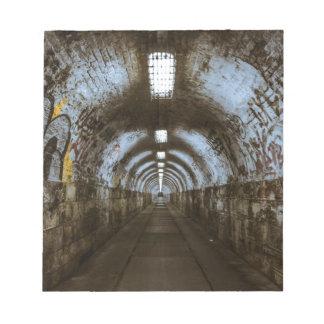 Túnel subterráneo de la oscuridad bloc