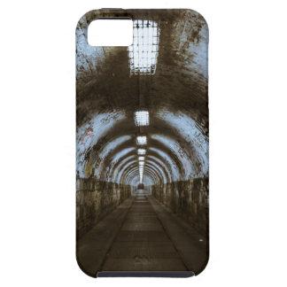 Túnel subterráneo de la oscuridad iPhone 5 funda