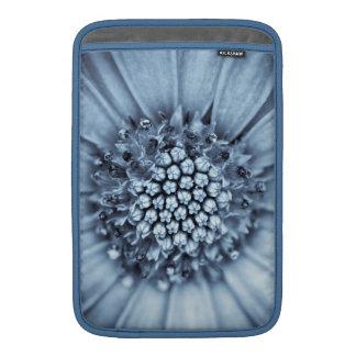 Tunicado azul de Bell centrado con el filtro del s Fundas MacBook
