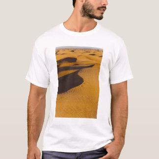 Tunisia, Ksour Area, Ksar Ghilane, Grand Erg T-Shirt
