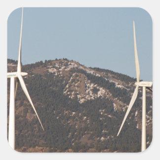 Turbinas de viento con un retrato de la Luna Llena Calcomania Cuadrada Personalizada
