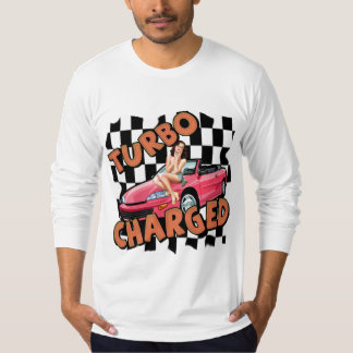 Turbo cargó las camisetas y los regalos para él