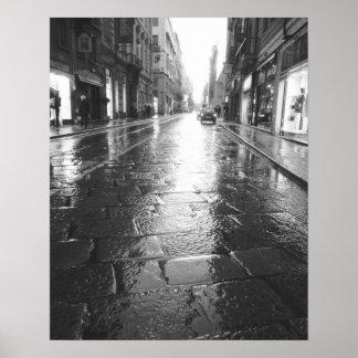 Turín Italia, tarde mojada de la calle Impresiones