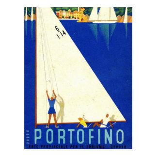 Turismo blanco de los veleros del mar azul de postal