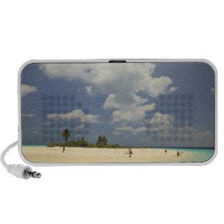 Turista en la playa, isla de Mathidhoo, iPod Altavoces