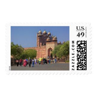 Turistas delante de Fatehpur Sikri en