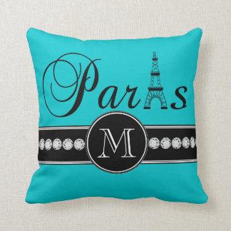 Turquesa 00c5cd París negra con monograma Cojín Decorativo