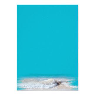 """Turquesa de las olas oceánicas que casa el papel invitación 5"""" x 7"""""""