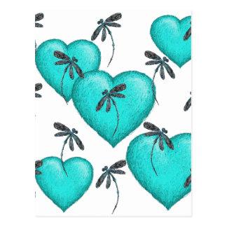 Turquesa de los corazones y de las libélulas del postal