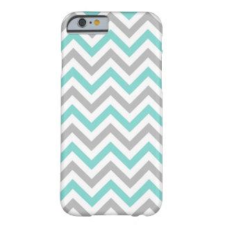 Turquesa, gris, modelo de zigzag grande blanco de funda para iPhone 6 barely there
