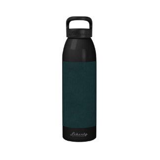 Turquesa profunda explorada de la textura del pape botella de agua reutilizable