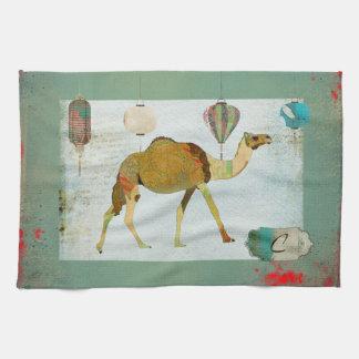 Turquesa soñadora del monograma del camello y toalla de mano