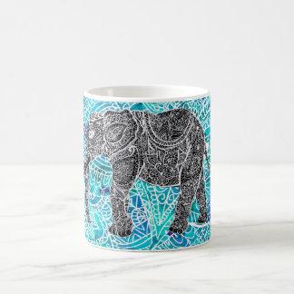 Turquesa tribal del azul del elefante del boho de taza clásica