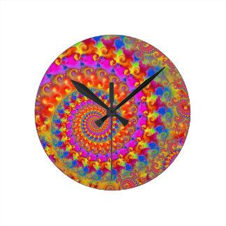 Turquesa y amarillo del rosa del modelo del reloj redondo mediano