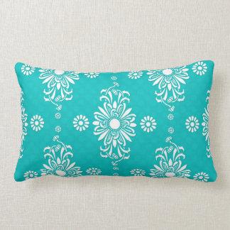 Turquesa y estampado de flores blanco almohadas