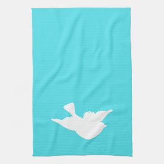 Turquesa y silueta blanca del pájaro toalla
