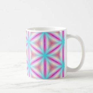 Turquesa y taza del caleidoscopio del fractal de