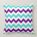 Turquesa y zigzag púrpura almohada