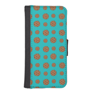 Turquoise chocolate chip cookies iPhone 5 wallet cases
