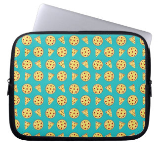 Turquoise pizza pattern laptop computer sleeve