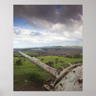 Turret of Israeli tank points to Qunietra Poster