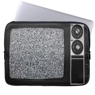 TV vieja retra con la cubierta estática de la caja Fundas Ordendadores