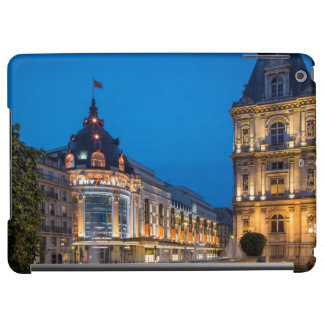Twilight at Bazar de l'Hotel de Ville iPad Air Case