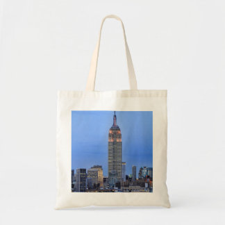 Twilight: Empire State Building lit up Pink - 04 Canvas Bag