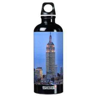 Twilight: Empire State Building lit up Pink - 04 Water Bottle