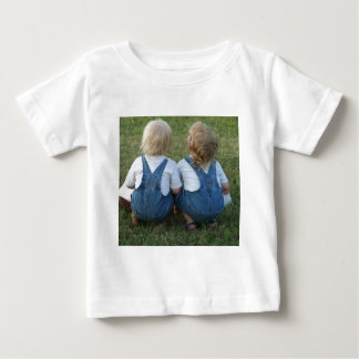 twins looking away baby T-Shirt