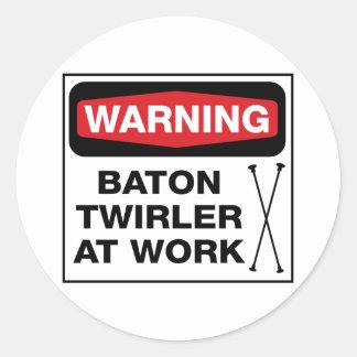 Twirler en el trabajo pegatina redonda