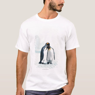 Two affectionate penguins T-Shirt