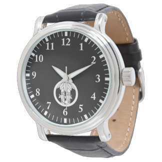 Two bamboos with bamboo leaves in circle wristwatch