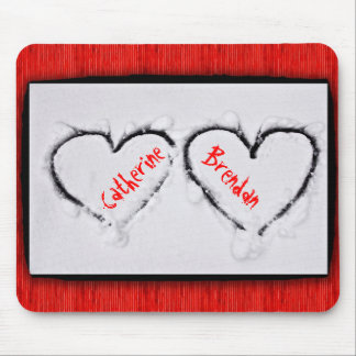Two Hearts Fresh White Snow Red Corrugated Metal Mouse Pad