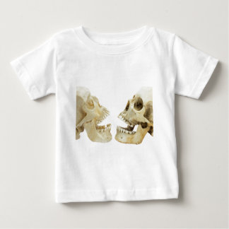 Two human skulls opposite of each other baby T-Shirt