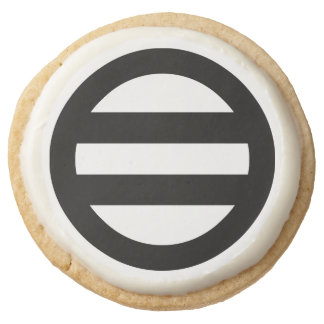 Two lines, encircled round shortbread cookie